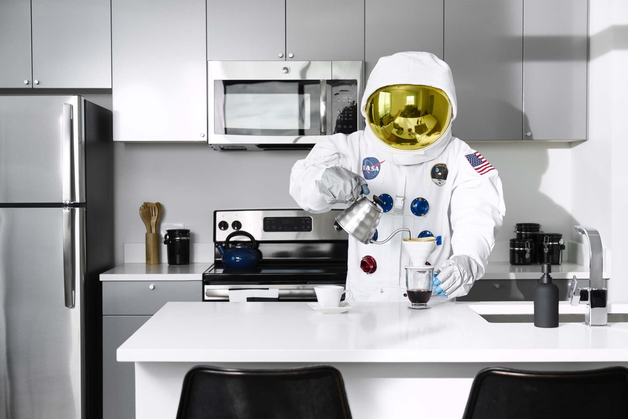 Space_Man_491-w2000-h2000